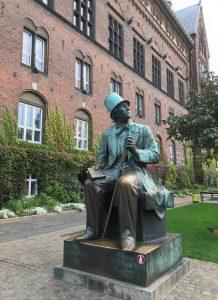 Statue Hans Christian Andersen